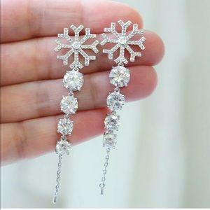 New 925 Silver Drop Earrings White Sapphire